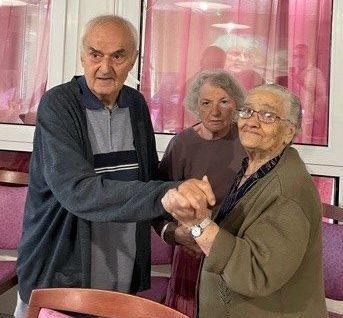 Résidents qui dansent